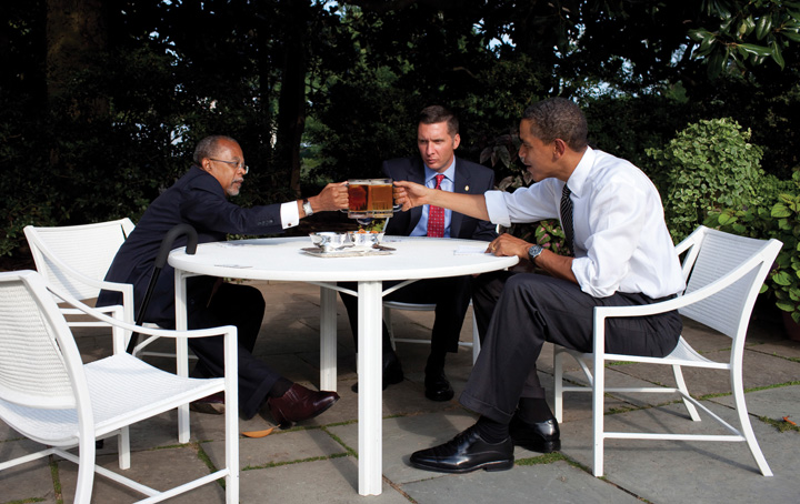 Harvard University scholar Henry Louis Gates Jr. and police officer James Crowley meeting Barack Obama at the white house
