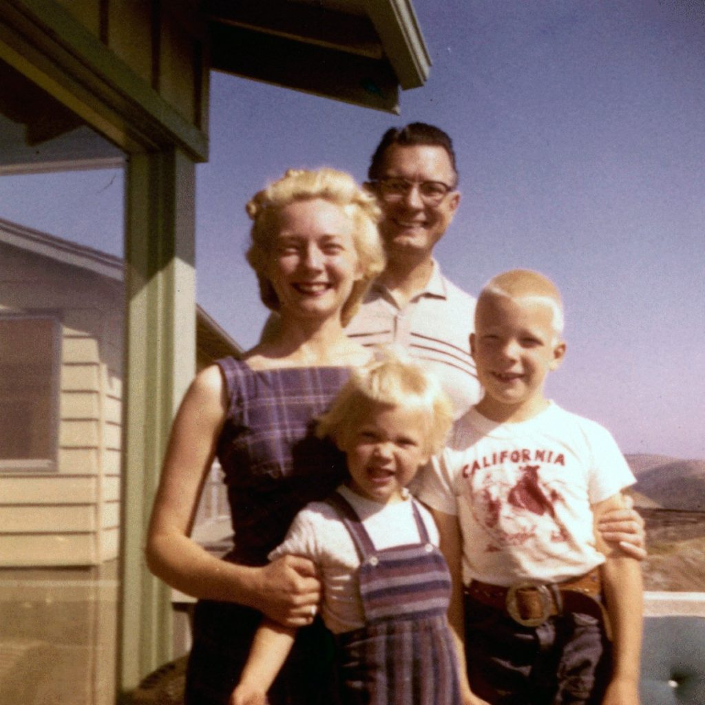 A '50s nuclear family (a mother and father with a daughter and son)